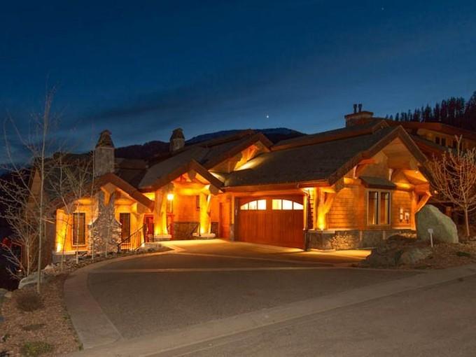 Single Family Home for sales at Ski - In / Ski - Out Log Post & Beam Chalet 4253 Bella Vista Drive Sun Peaks, British Columbia V0E 5N0 Canada