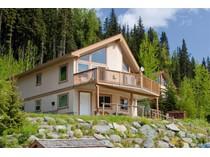 Casa para uma família for sales at Ski In Chalet with Mountain Views 2203 Sunburst Drive   Sun Peaks, Columbia Britanica V0E 5N0 Canadá