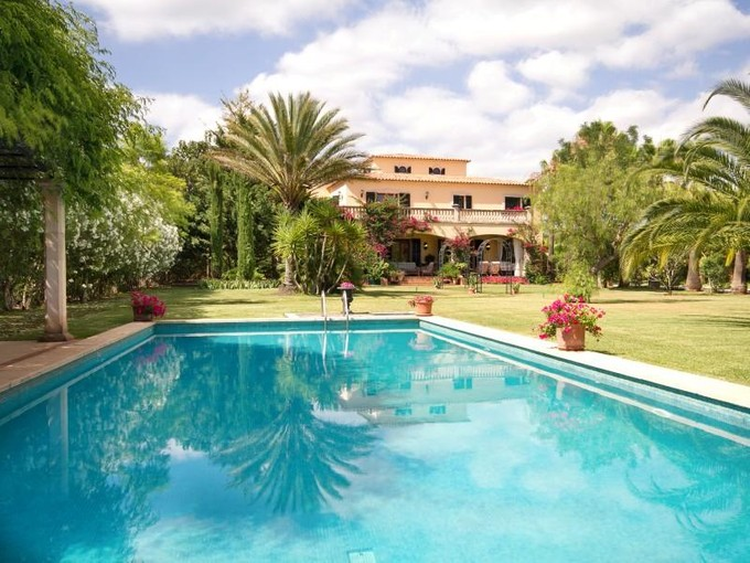 Multi-Family Home for sales at Family Villa in landscaped gardens in Santa Maria  Santa Maria, Mallorca 07320 Spain