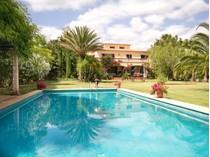 Apartamentos multi-familiares for sales at Family Villa in landscaped gardens in Santa Maria  Santa Maria, Palma De Maiorca 07320 Espanha