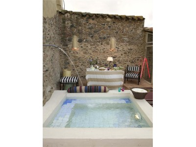 Residência urbana for sales at Beautifully reformed townhouse  Baix Emporda, Costa Brava 17131 Espanha