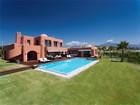 Casa para uma família for  sales at An Inspiring property  Marbella, Costa Del Sol 29670 Espanha