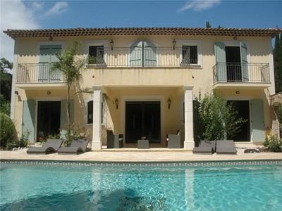 Частный односемейный дом for sales at Charming villa in a Private domain close to Golf   Mougins, Прованс-Альпы-Лазурный Берег 06250 Франция