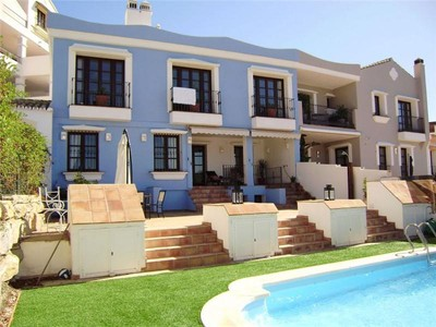 Maison de Ville for sales at Delightful Town House offering sea and golf views  Benahavis, Costa Del Sol 29679 Espagne