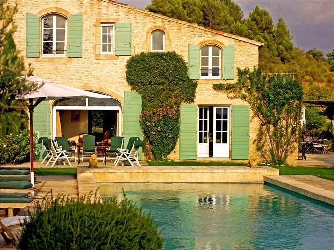 Apartamentos multi-familiares for sales at La maison bleue  Lacoste, Provença-Alpes-Costa Azul 84480 França