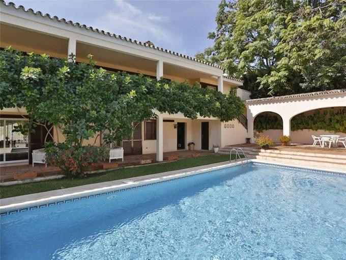 Частный односемейный дом for sales at Front line golf Nueva Andalucia  Marbella, Costa Del Sol 29660 Испания