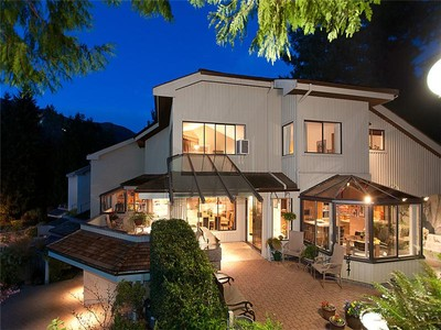 Townhouse for sales at Extraordinary Townhouse 5270 Aspen Crescent  West Vancouver, British Columbia V7W 2Z6 Canada
