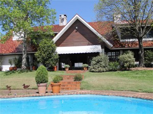 Townhouse for Sales at Classic Style Lieja  Other Montevideo, Montevideo 11500 Uruguay