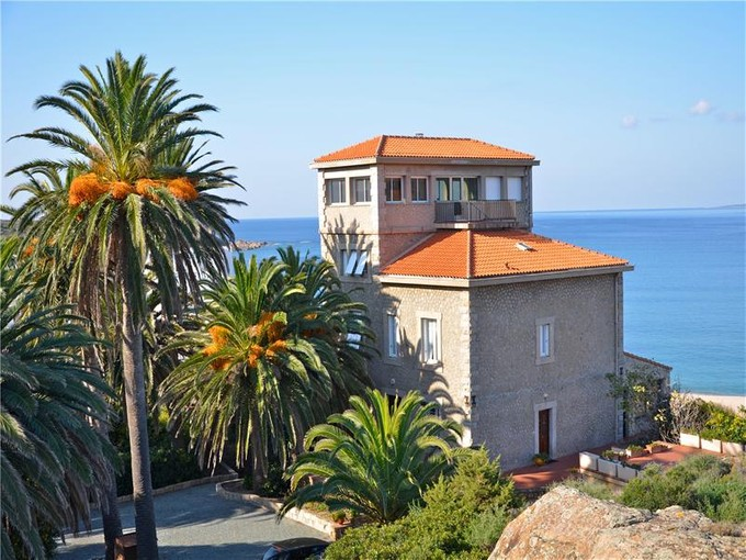 Mehrfamilienhaus for sales at Ref. V1715 - A stunning waterfront property...  Other Corsica, Korsika 20110 Frankreich