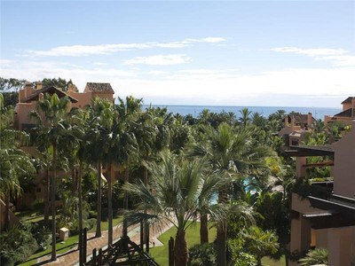 Appartement for sales at Beachside duplex- penthouse  Marbella, Costa Del Sol 29679 Espagne