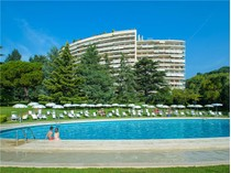 Apartamento for sales at Apartment in a prestigious residency of La Califor  Cannes, Provincia - Alpes - Costa Azul 06400 Francia