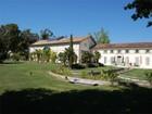 Otras residenciales for  sales at Propriété Saintongeaise  Mortagne, Poitou-Charentes 17120 Francia