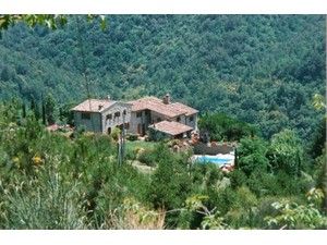 Additional photo for property listing at Charming countryhouse in Chianti region Piazza San Firenze Gaiole In Chianti, Siena 53013 Italya