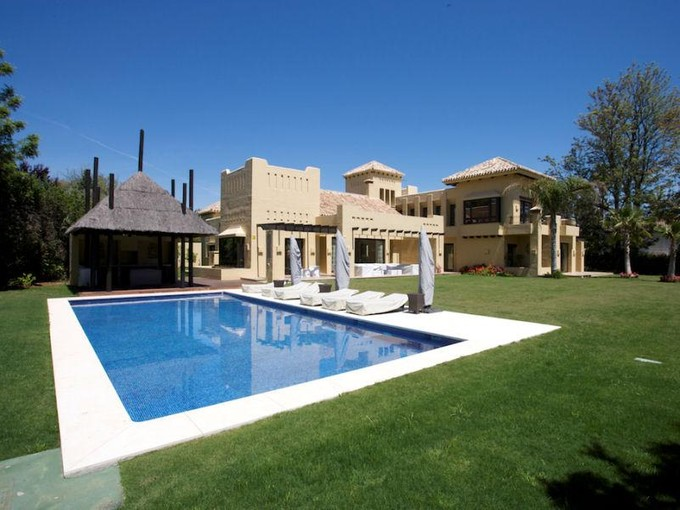 Einfamilienhaus for sales at Spectacular brand new beachside villa  Marbella, Costa Del Sol 29660 Spanien