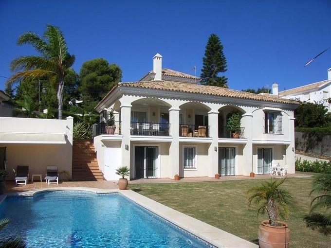 Moradia for sales at A beautiful family villa  Marbella, Costa Del Sol 29600 Espanha