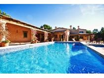 Einfamilienhaus for sales at Villa Im Finca-Stil, Nähe Golfplätze  Calvia, Mallorca 07151 Spanien
