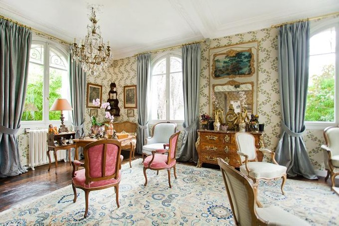 Other Residential for sales at Charming Mansion with garden    Paris, Paris 75016 France