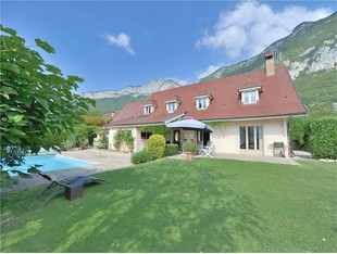 Other Residential for sales at House with view on the lake  Annecy, Rhone-Alpes 74290 France