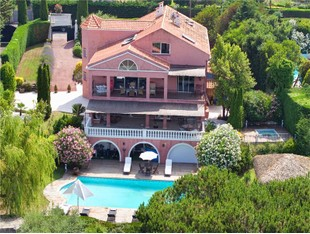 Other Residential for sales at Super Cannes - Beautifully renovated Villa Vallauris Vallauris, Provence-Alpes-Cote D'Azur 06220 France