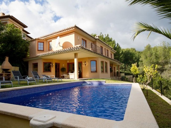 Vivienda unifamiliar for sales at Lujosa Villa Con Vistas A Las Montañas  Bendinat, Mallorca 07181 España