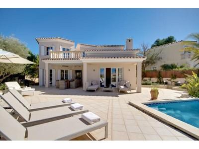 Vivienda unifamiliar for sales at Villa Recientemente Reformada En Santa Ponsa  Calvia, Mallorca 07180 España