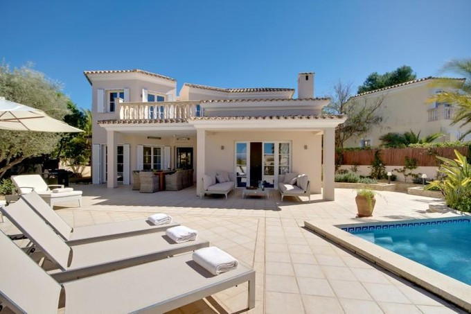 Vivienda unifamiliar for sales at Villa Recientemente Reformada En Santa Ponsa  Calvia, Mallorca 07180 España