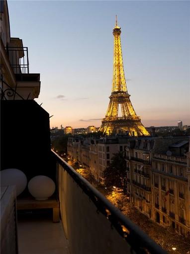 Apartamento for sales at Paris 7 - Champ-de-Mars  Paris, Paris 75007 França