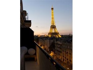Appartement for Ventes at Paris 7 - Champ-de-Mars  Paris, Paris 75007 France