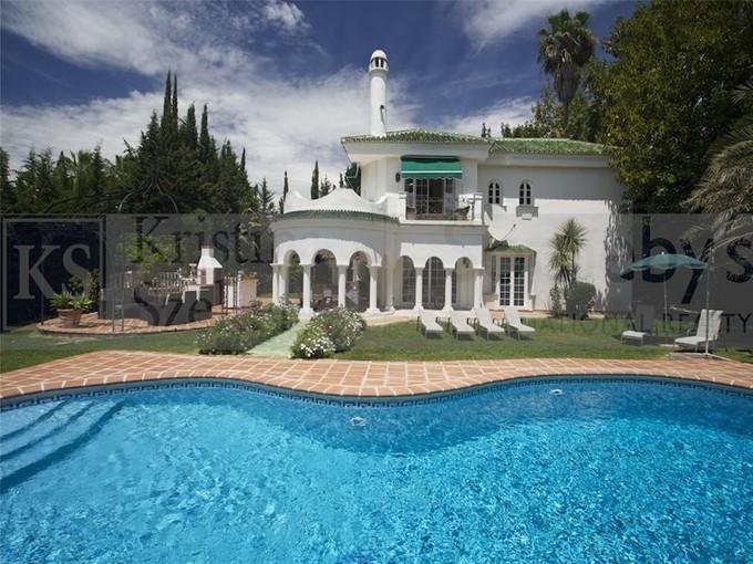 Casa para uma família for sales at An exceptional villa close to Aloha and Las Brisas  Marbella, Costa Del Sol 29660 Espanha