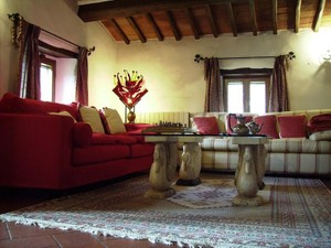 Additional photo for property listing at Charming countryhouse in Chianti region Piazza San Firenze  Gaiole In Chianti, Siena 53013 Italia