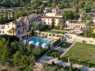 Condomínio for rentals at SP 1007  Grasse, Provença-Alpes-Costa Azul 06130 França