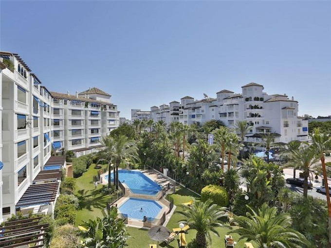 Appartement for sales at Large apartment situated in Puerto Banus  Marbella, Costa Del Sol 29660 Espagne