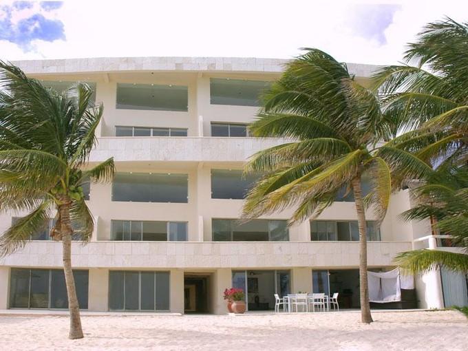 Co-op for sales at OCEAN PLAZA  Playa Del Carmen, Quintana Roo 77710 Mexico