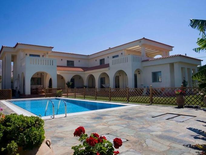 Maison unifamiliale for sales at Grand Villa inLagonissi  Other Attiki, Attiki 19010 Grèce