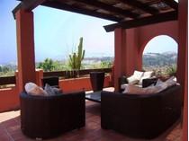 Apartamento for sales at Duplex Penthouse walking distance to Puerto Banús  Marbella, Costa Del Sol 29660 Espanha