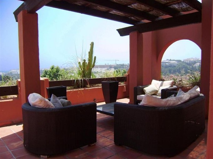 アパート for sales at Duplex Penthouse walking distance to Puerto Banús  Marbella, Costa Del Sol 29660 Spain