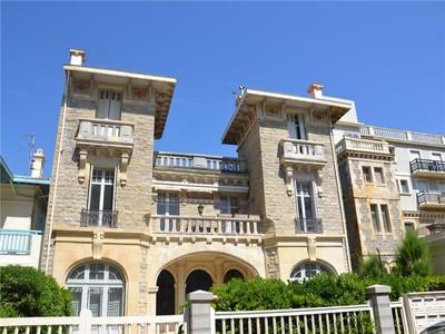 Appartamento for sales at Biarritz sea front  Biarritz, Aquitania 64200 Francia