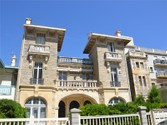 Appartements for sales at Biarritz - 1ère ligne mer  Biarritz,  64200 France