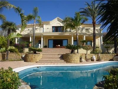 Moradia for sales at Classical style villa in Sierra Blanca  Marbella, Costa Del Sol 29600 Espanha