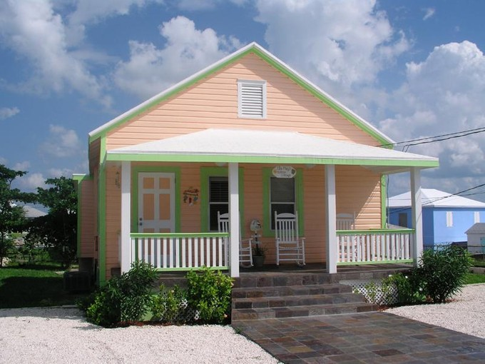 Einfamilienhaus for sales at Ella May's Hilltop Cottage Spanish Wells Spanish Wells, Eleuthera . Bahamas