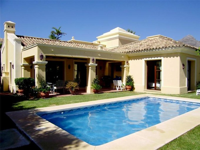Einfamilienhaus for sales at Lovely villa located in a gated private community  Marbella, Costa Del Sol 29660 Spanien