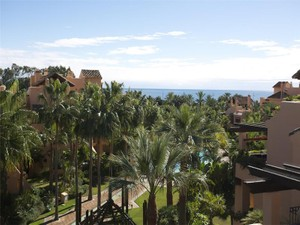 Additional photo for property listing at Beachside duplex- penthouse  Marbella, Costa Del Sol 29670 Spain