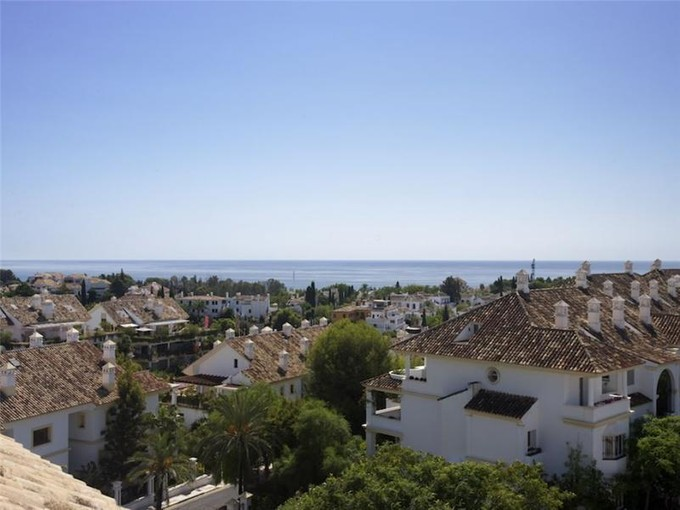 Apartamento for sales at OUTSTANDING PENTHOUSE ON THE GOLDEN MILE  Marbella, Costa Del Sol 29600 Espanha