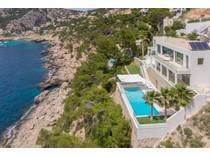 Maison unifamiliale for sales at Modern Villa with sea access in Port Andratx  Port Andratx, Majorque 07157 Espagne