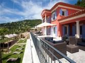 Autre Bien Résidentiel for sales at Luxueuse villa neuve dans petit domaine privé  Grasse,  06130 France