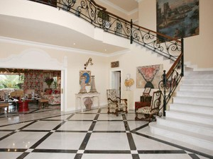 Additional photo for property listing at A Superior Elegant And Most Distinctive Residence  Marbella, Costa Del Sol 29670 Spain