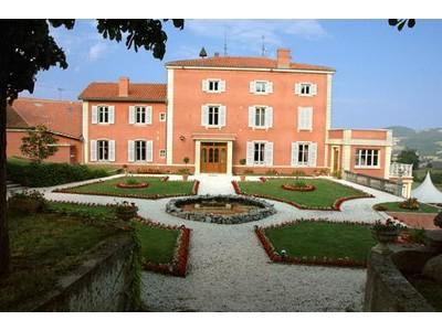 Vivienda unifamiliar for sales at PROPERTY CLOSE TO L'ARBRESLE  Other Rhone-Alpes, Ródano-Alpes 69610 Francia