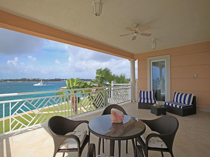 Appartement en copropriété for sales at Ocean Club Residences & Marina + Dock Slip  Paradise Island, New Providence/Nassau . Bahamas