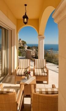 Additional photo for property listing at Sole Agent - Modern villa  Villefranche, Provença-Alpes-Costa Azul 06230 França