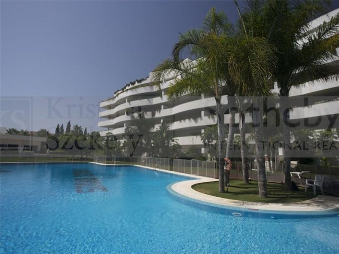 Appartement for sales at Delightful apartment on the beachside  Marbella, Costa Del Sol 29660 Espagne